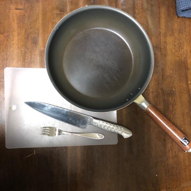 山本ゆりさんの『鶏むね肉の塩だれチキン』 材料と準備