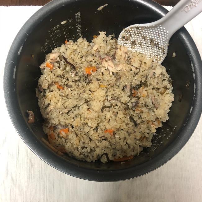 山本ゆりさんの『サバ缶と塩昆布の炊き込みご飯(昆布めし)』のレシピ・作り方6