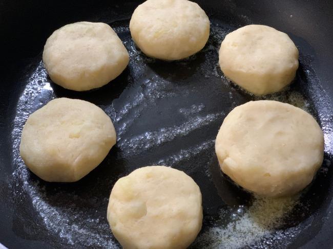ゆかりさんの『チーズとろ~りモチモチいももち』の作り方手順6