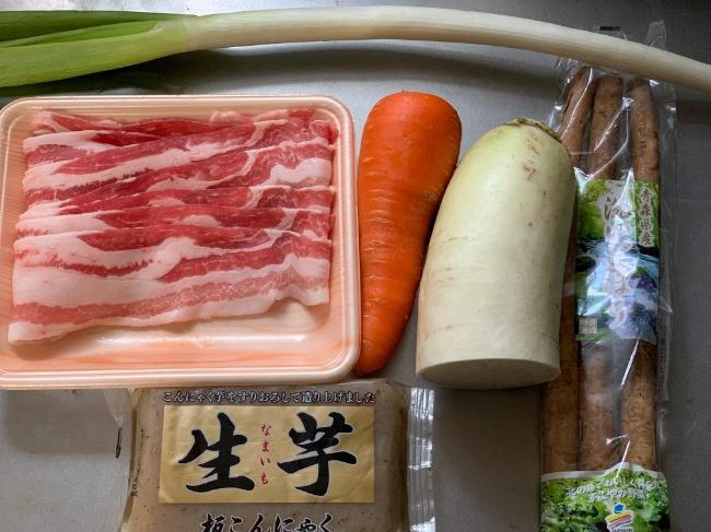 リュウジさんの料理『至高の豚汁』の材料