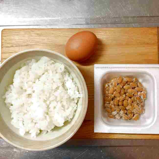 山本ゆりさんの納豆チャーハンはレンジで簡単!材料もこれだけ♪